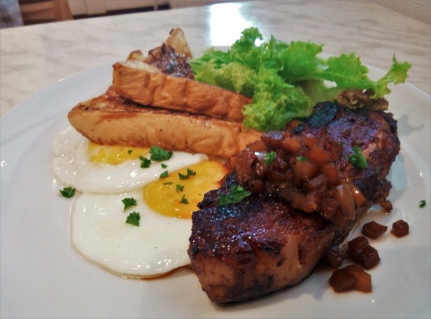 lo-thick-cut-bacon-steaks-sunny-side-up-3